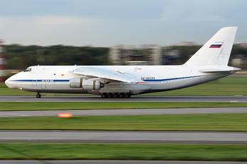 RA-82035 - 224 Flight Unit Antonov An-124