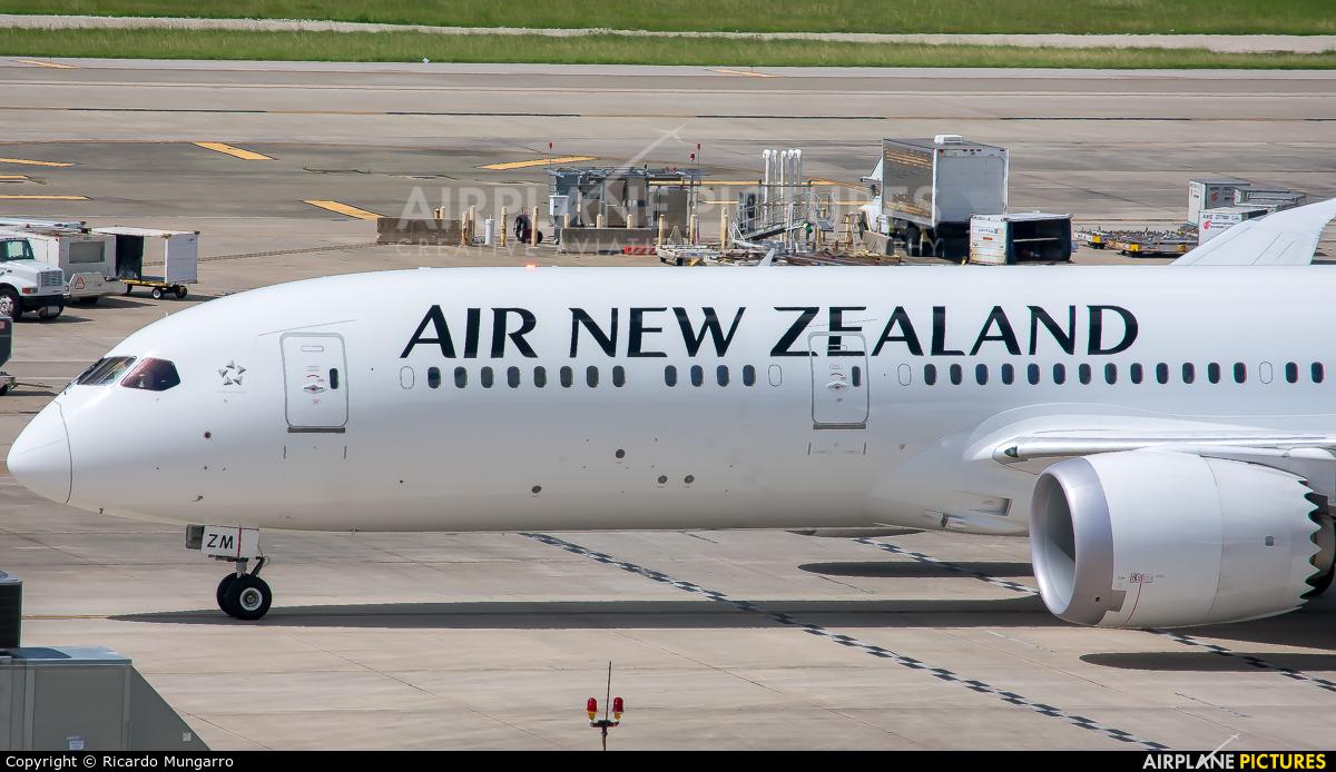 Air New Zealand ZK-NZM aircraft at Houston - George Bush Intl