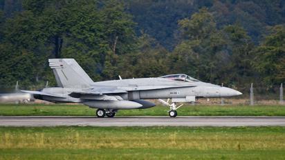 HN-418 - Finland - Air Force McDonnell Douglas F-18C Hornet