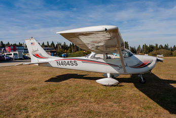 N404SS - Private Cessna 172 Skyhawk (all models except RG)