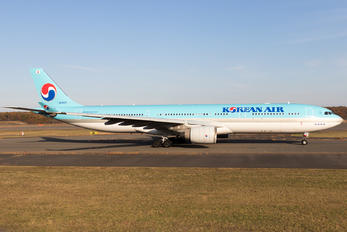 HL8025 - Korean Air Airbus A330-300
