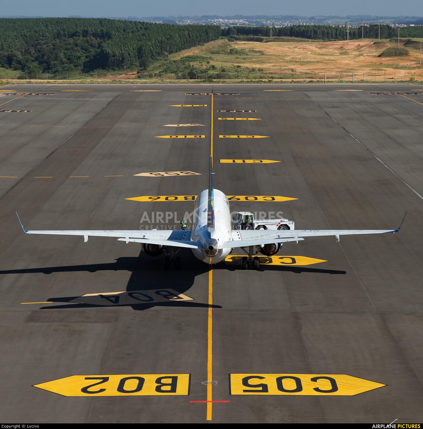 Azul Linhas Aéreas PR-AXN aircraft at Campinas - Viracopos Intl