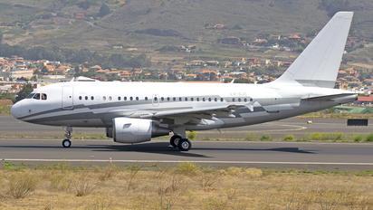 LX-GJC - Global Jet Luxembourg Airbus A318 CJ