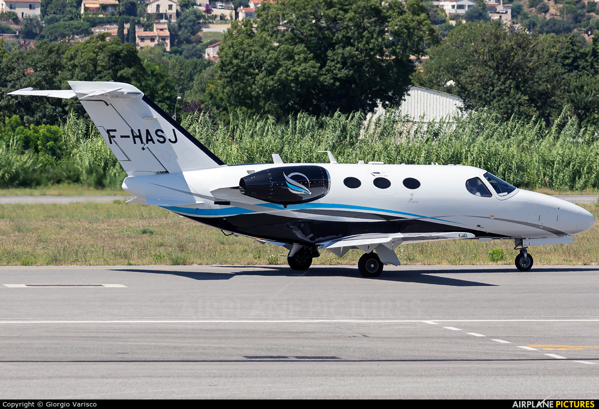 Private F-HASJ aircraft at Cannes - Mandelieu
