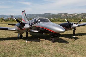 I-RIZZ - Private Piper PA-34 Seneca