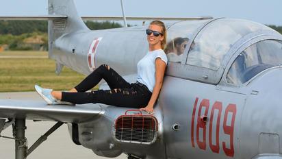 1809 - Poland - Air Force PZL TS-11 Iskra