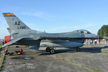 860285 - USA - Air Force General Dynamics F-16C Fighting Falcon