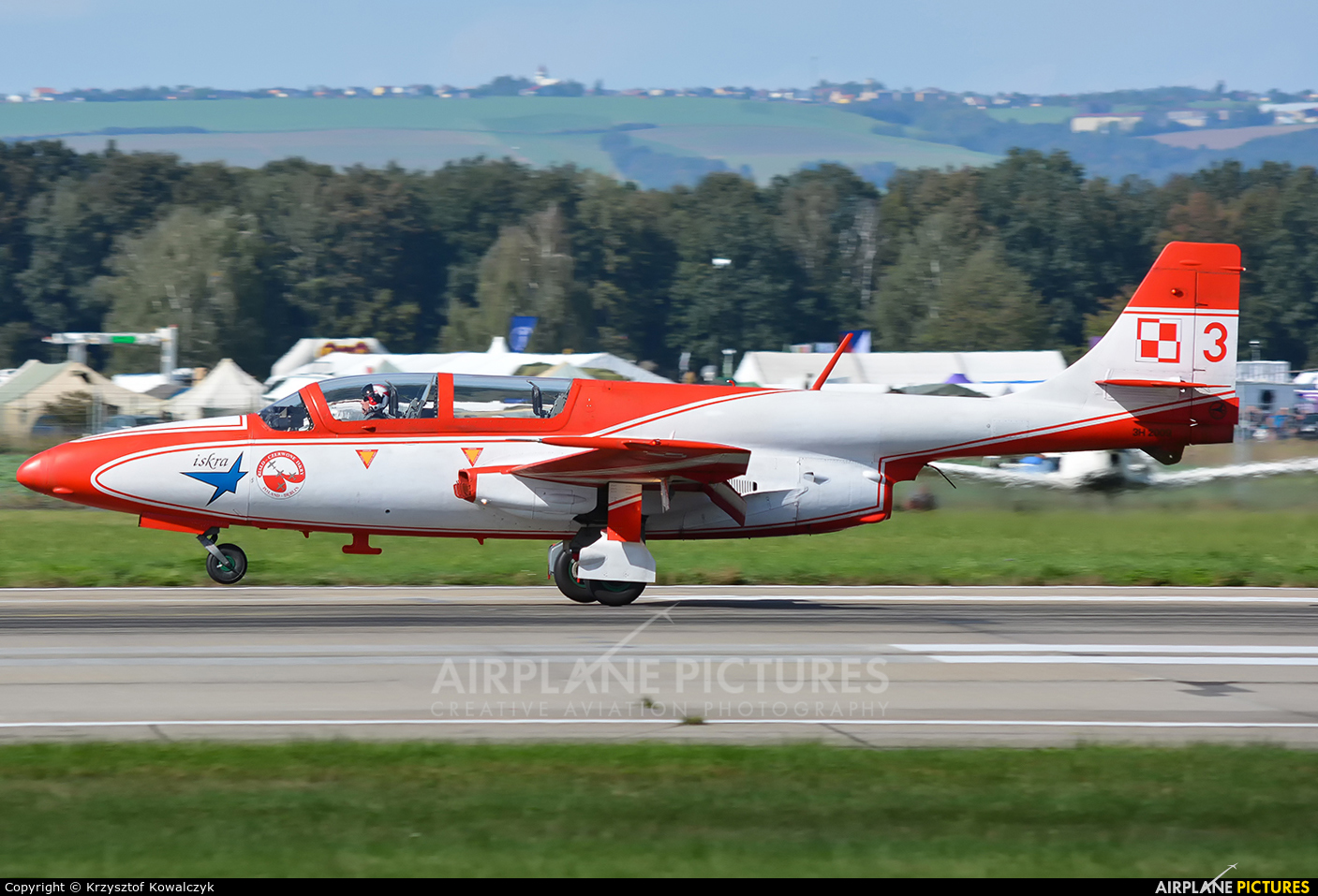 Poland - Air Force: White & Red Iskras 3 aircraft at Ostrava Mošnov