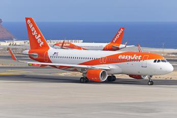 OE-IJS - easyJet Europe Airbus A320