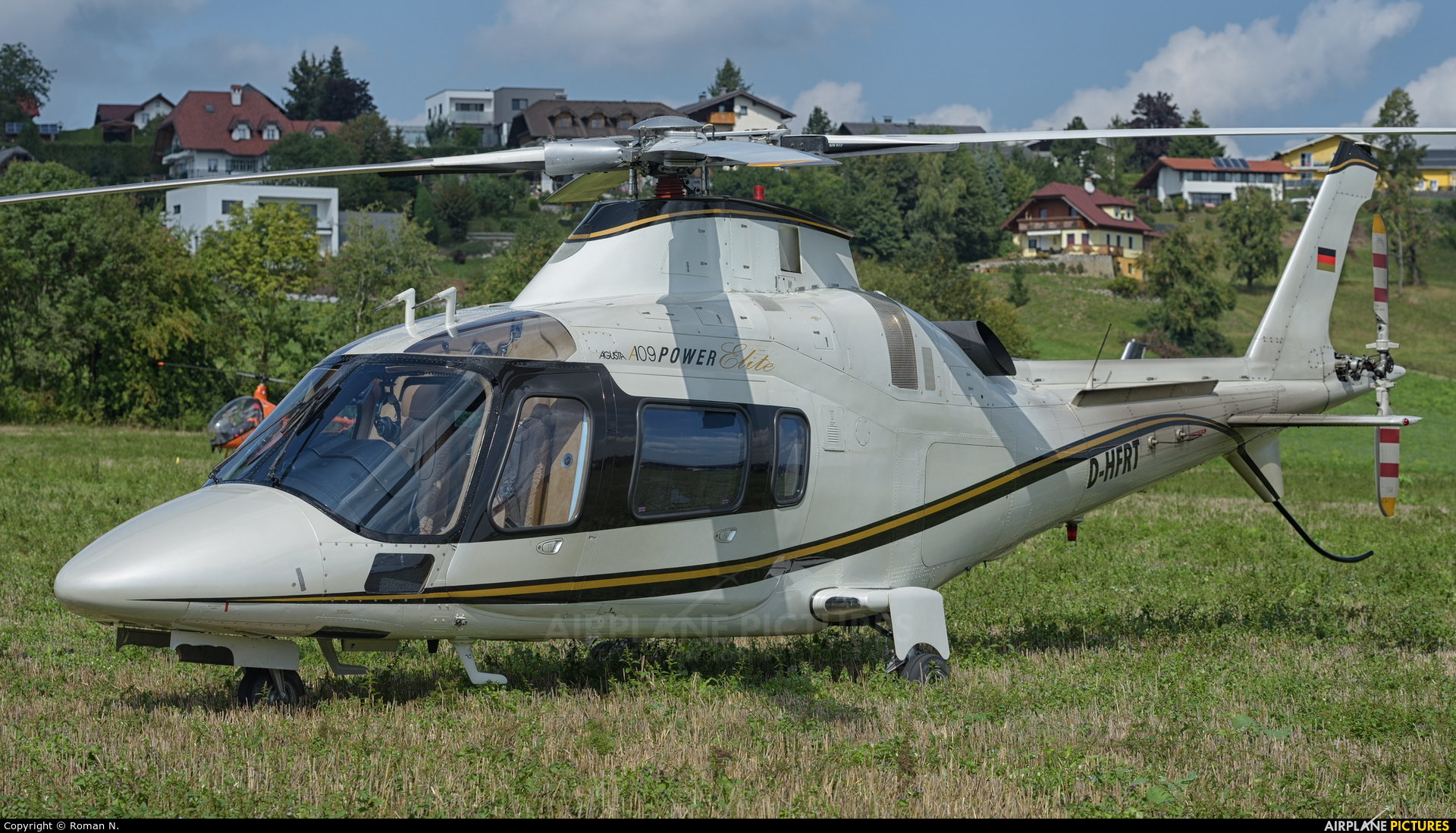 Private D-HFRT aircraft at Off Airport - Austria