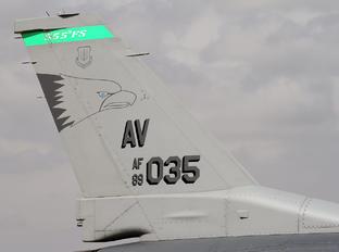 89-2035 - USA - Air Force General Dynamics F-16CG Night Falcon