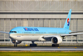 HL7533 - Korean Air Boeing 777-300