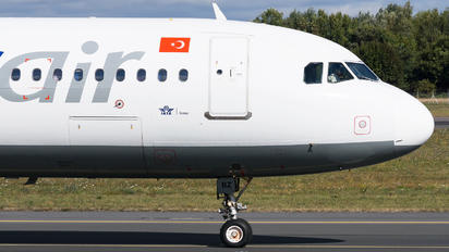 TC-OBZ - Onur Air Airbus A321