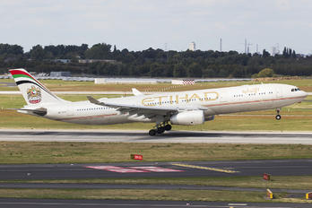 A6-AFD - Etihad Airways Airbus A330-300
