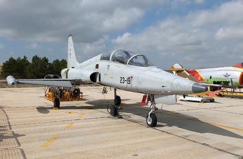 AE.9-30 - Spain - Air Force CASA-Northrop  SF-5B(M) Freedom Fighter