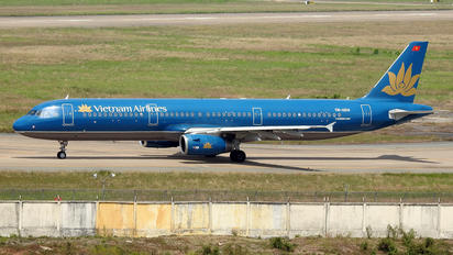 VN-A614 - Vietnam Airlines Airbus A321