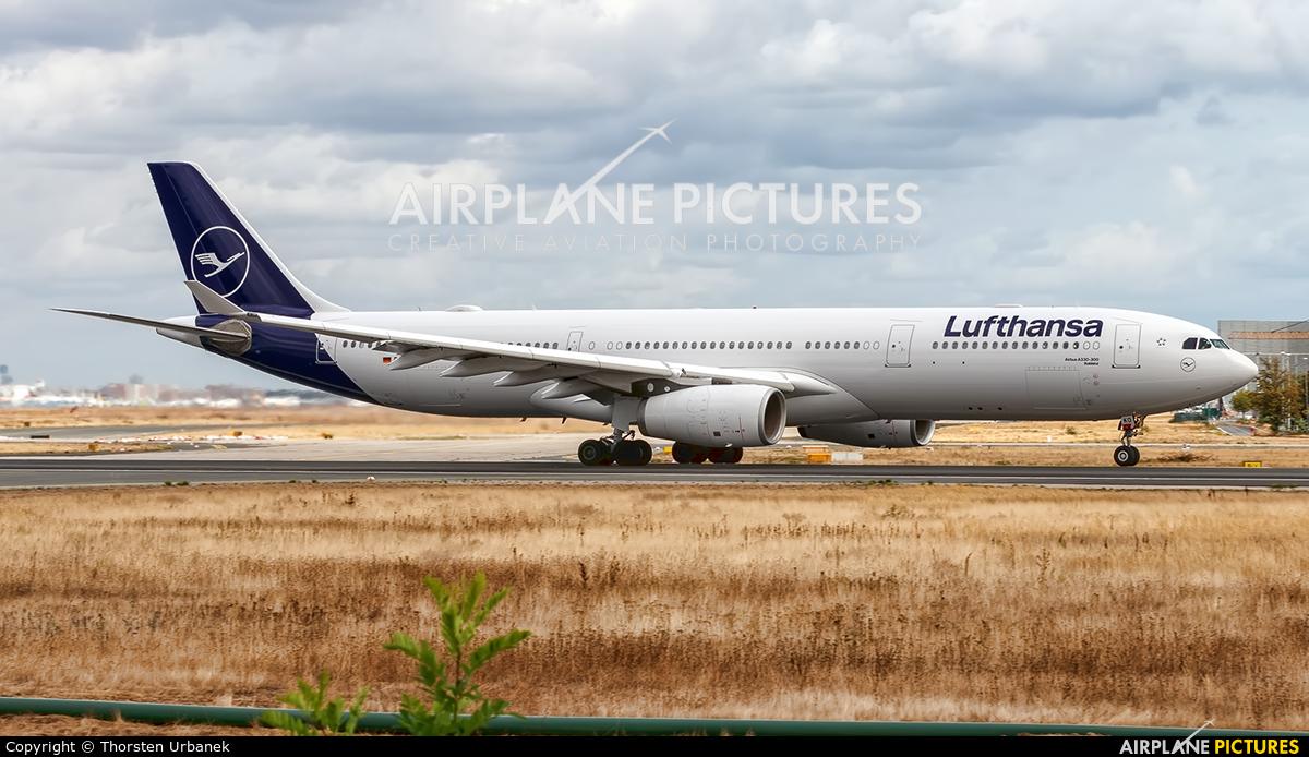 Lufthansa D-AIKO aircraft at Frankfurt