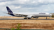 First Lufthansa A330-300 in new colours title=