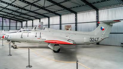3247 - Czech - Air Force Aero L-29 Delfín