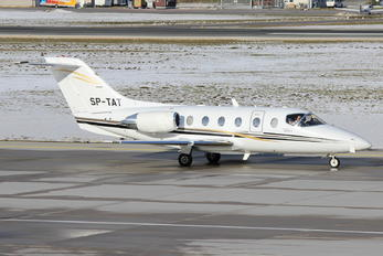 SP-TAT - Private Beechcraft 400A Beechjet