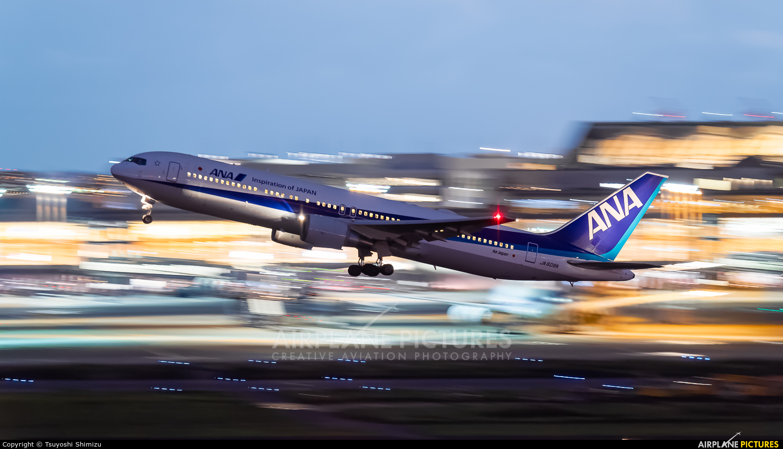 JA608A - ANA - All Nippon Airways Boeing 767-300ER at Tokyo
