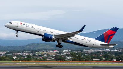 N555NW - Delta Air Lines Boeing 757-200WL