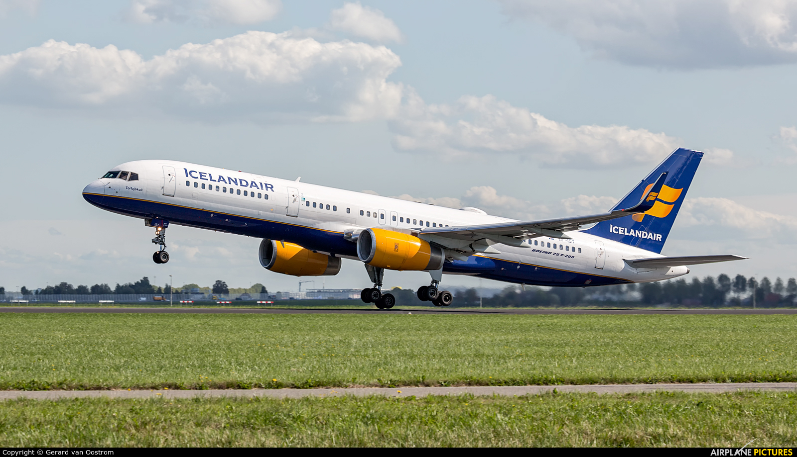 Icelandair TF-ISY aircraft at Amsterdam - Schiphol