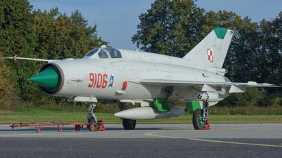 9106 - Poland - Air Force Mikoyan-Gurevich MiG-21MF