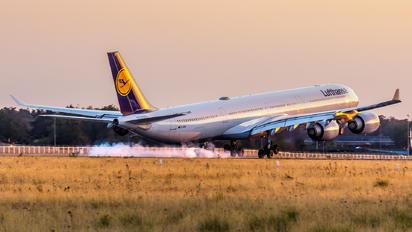 D-AIHC - Lufthansa Airbus A340-600