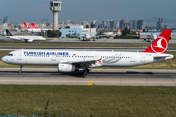 TC-JRJ - Turkish Airlines Airbus A321