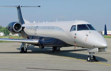 T7-PNI - Private Embraer ERJ-135 Legacy 600