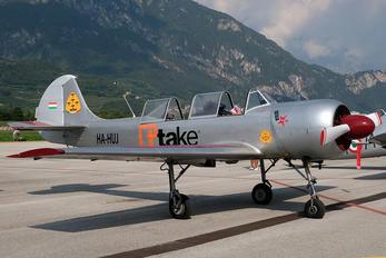 HA-HUJ - Private Yakovlev Yak-52