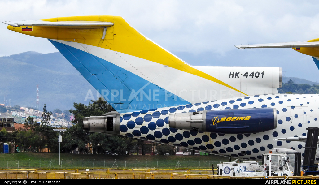Lineas Aereas Suramericanas HK-4401 aircraft at Bogotá - Eldorado Intl