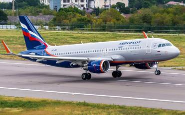 VP-BIY - Aeroflot Airbus A320