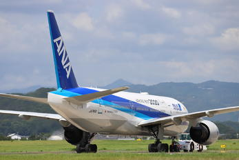 JA745A - ANA - All Nippon Airways Boeing 777-200