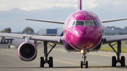 HA-LPM - Wizz Air Airbus A320