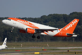 G-EZFT - easyJet Airbus A319