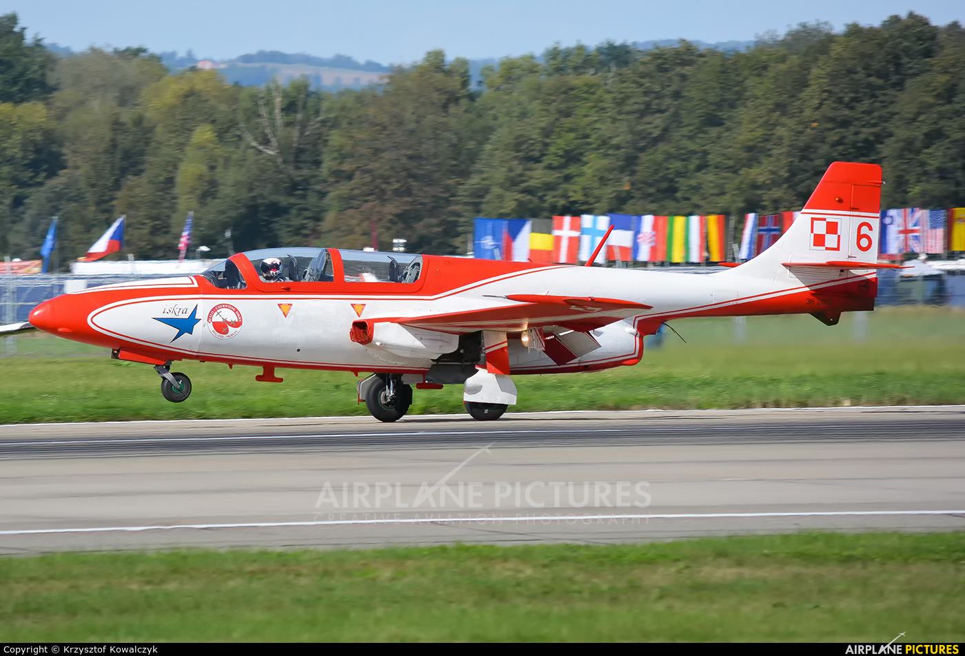 Poland - Air Force: White & Red Iskras 6 aircraft at Ostrava Mošnov