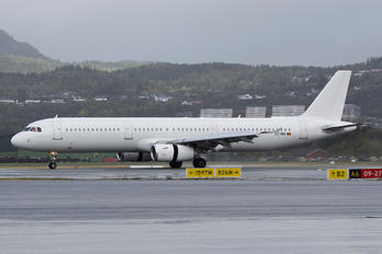 OO-SBA - VLM Airlines Airbus A321