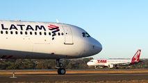 PT-MXA - TAM Airbus A321 aircraft