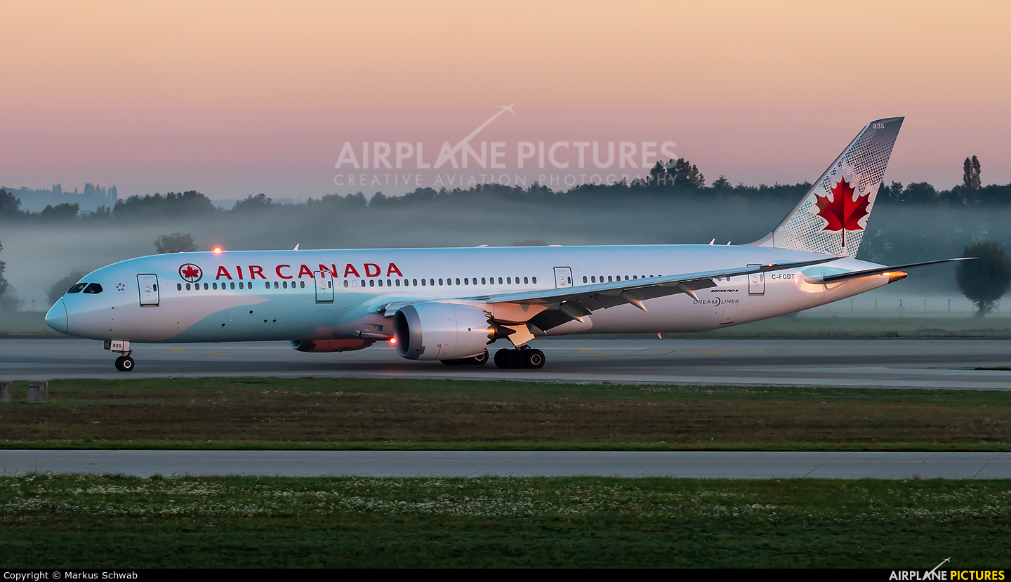 Air Canada C-FGDT aircraft at Munich