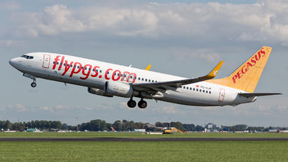 TC-AJP - Pegasus Boeing 737-800