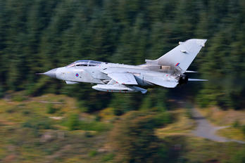 ZA597 - Royal Air Force Panavia Tornado GR.4 / 4A
