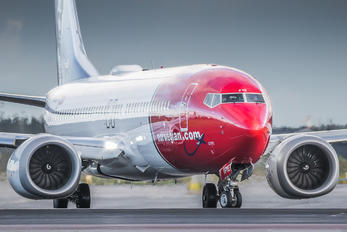 EI-FYE - Norwegian Air Shuttle Boeing 737-8 MAX
