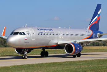 VP-BTC - Aeroflot Airbus A320