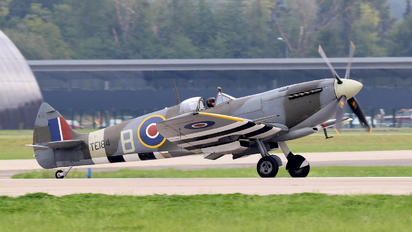 TE184 - Private Supermarine Spitfire LF.XVI