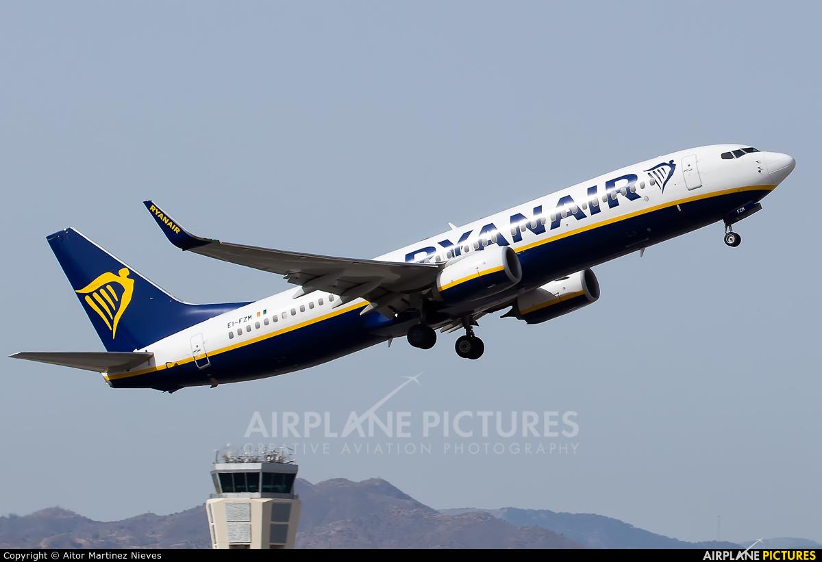 Ryanair EI-FZM aircraft at Málaga