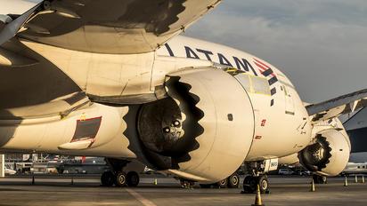 CC-BGG - LATAM Chile Boeing 787-9 Dreamliner