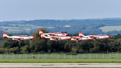 2011/1 - Poland - Air Force: White & Red Iskras PZL TS-11 Iskra