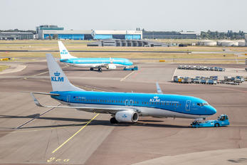 PH-BGC - KLM Boeing 737-800